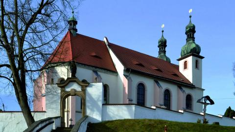 Kostel v Dýšině